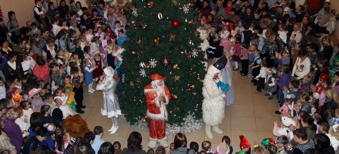 Профсоюзными организациями и молодёжными советами проведены новогодние мероприятия для детей